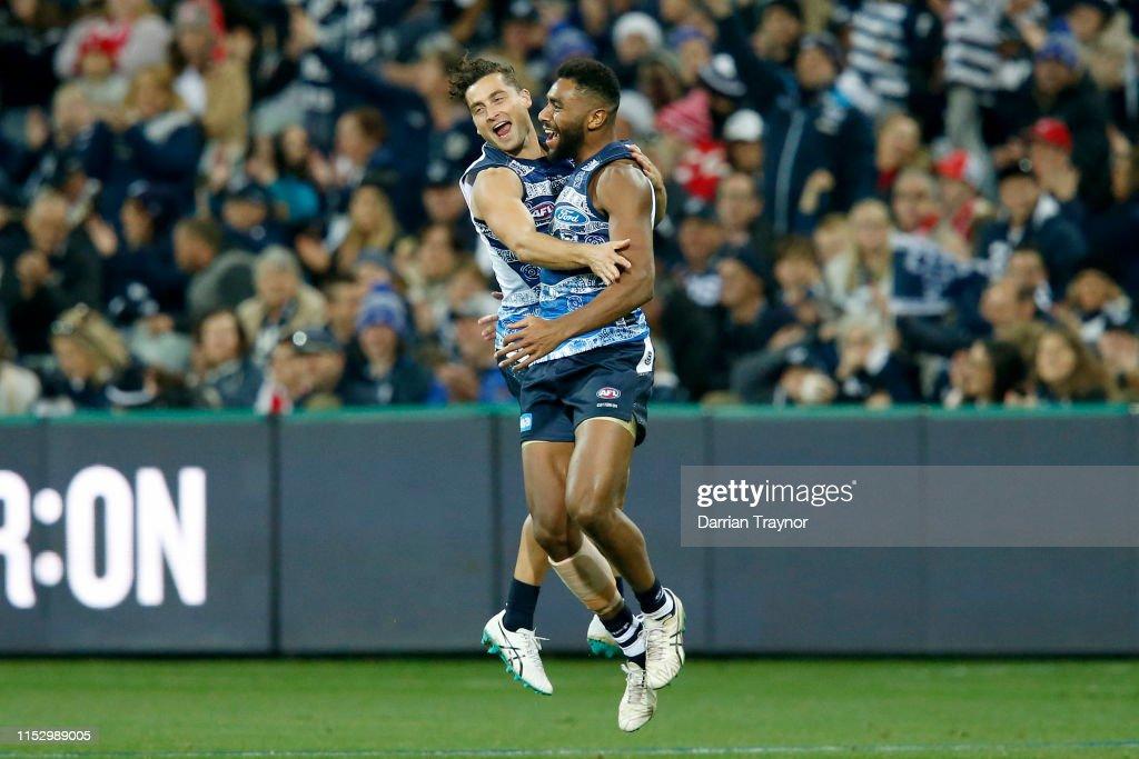 AFL Rd 11 - Geelong v Sydney : News Photo