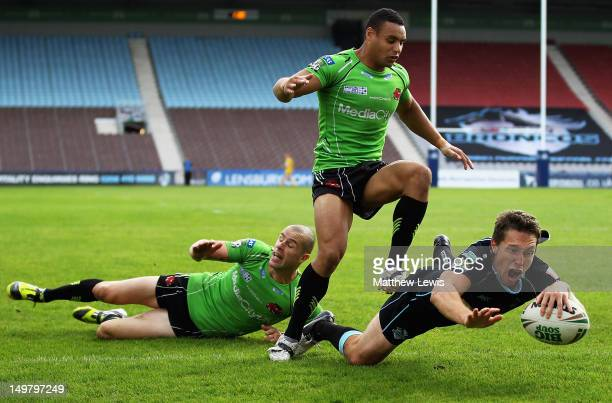 Luke Dorn of London Broncos scores a try during the Stobart Super League match between London Broncos and Salford City Reds at The Stoop on August 4...