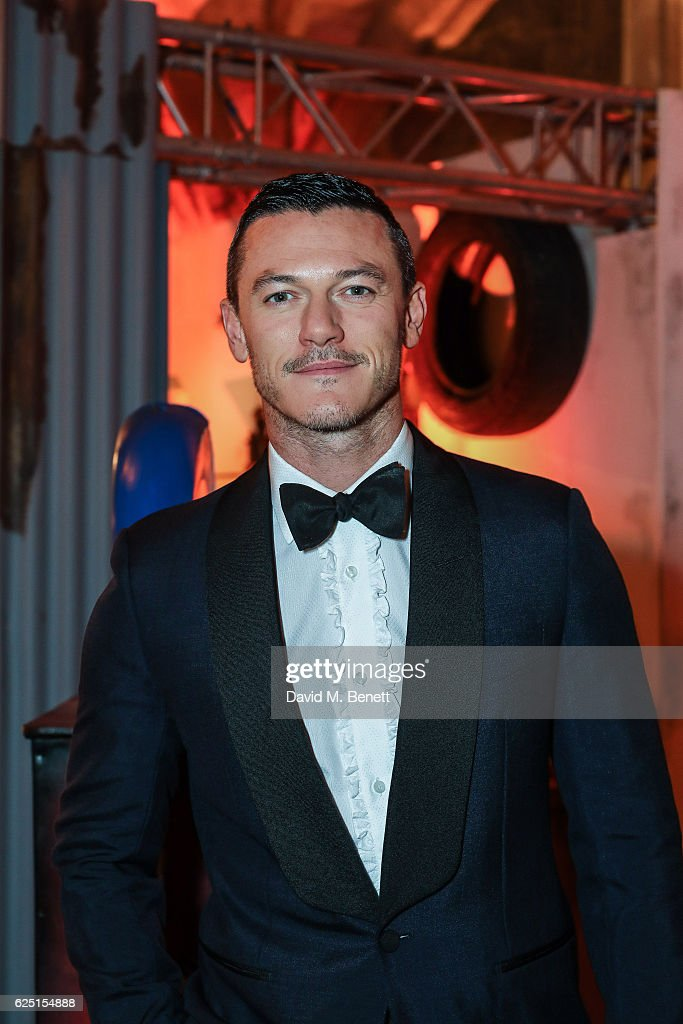 Luke Evans attends the Save The Children Winter Gala at The Guildhall on November 22, 2016 in London, England.