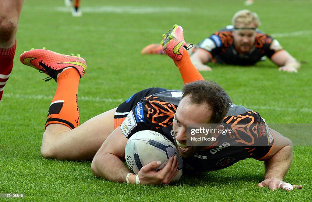 Luke Gale of Castleford Tigers scores a try during the Super League match between Castleford Tigers and Wakefield Trinity Wildcats at St James' Park on May 31, 2015 in Newcastle upon Tyne, England.