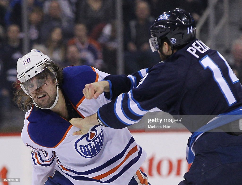 Edmonton Oilers v Winnipeg Jets : News Photo