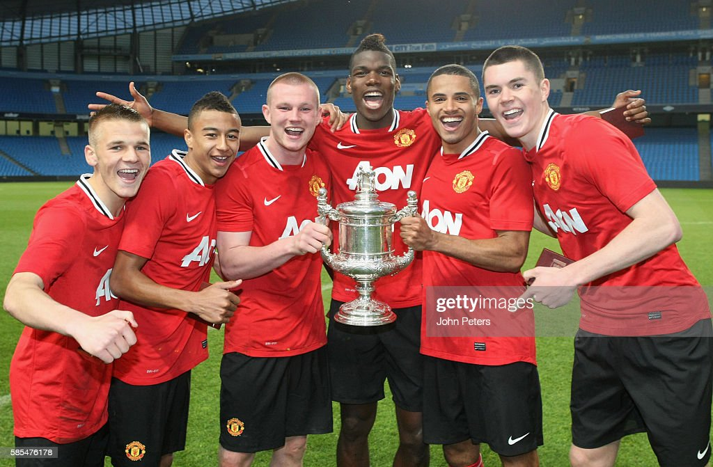Manchester United Reserves v Manchester City Reserves - Cup Final : News Photo