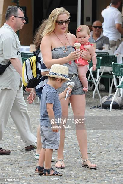 Luke Hudson Gavigan Jessica Capshaw and Eve Augusta Gavigan on July 2 2011 in Portofino Italy