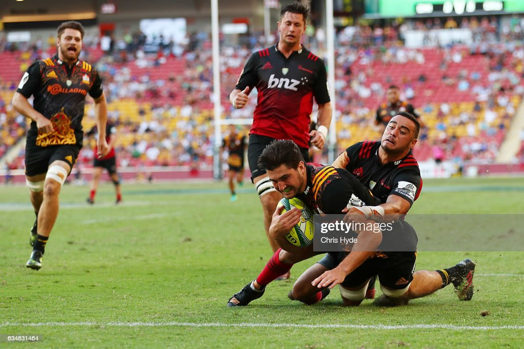 Luke Jacobson of the Chiefs make a break to score a try during the Rugby Global Tens Final match between Chiefs and Crusaders at Suncorp Stadium on February 12, 2017 in Brisbane, Australia.