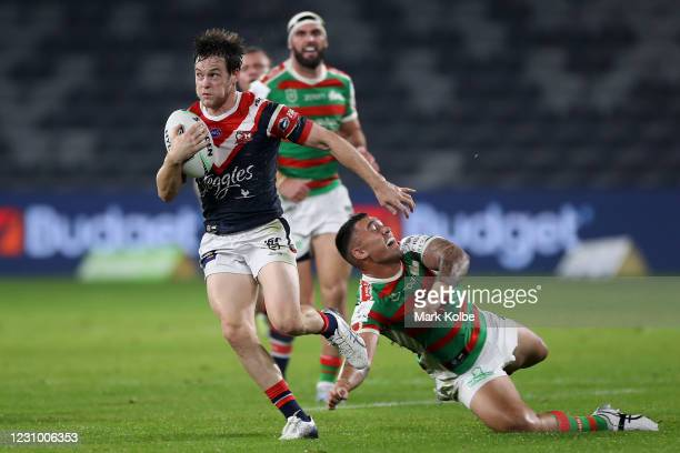 Luke Keary of the Roosters makes a break during the round three NRL match between the Sydney Roosters and the South Sydney Rabbitohs at Bankwest...
