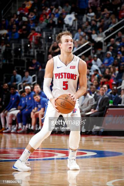 Luke Kennard of the Detroit Pistons sets to shoot the ball during the game against the Detroit Pistons on December 16, 2019 at Little Caesars Arena...