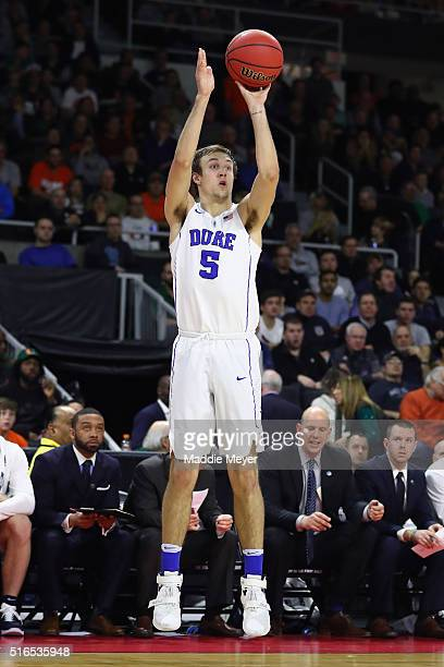 Luke Kennard of the Duke Blue Devils shoots the ball in the first half against the Yale Bulldogs during the second round of the 2016 NCAA Men's...