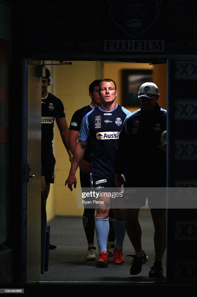 Luke Lewis of the NSW Blues walks out onto the field during a NSW Blues training session ahead of tomorrow's State Of Origin Game I at ANZ Stadium on May 25, 2010 in Sydney, Australia.