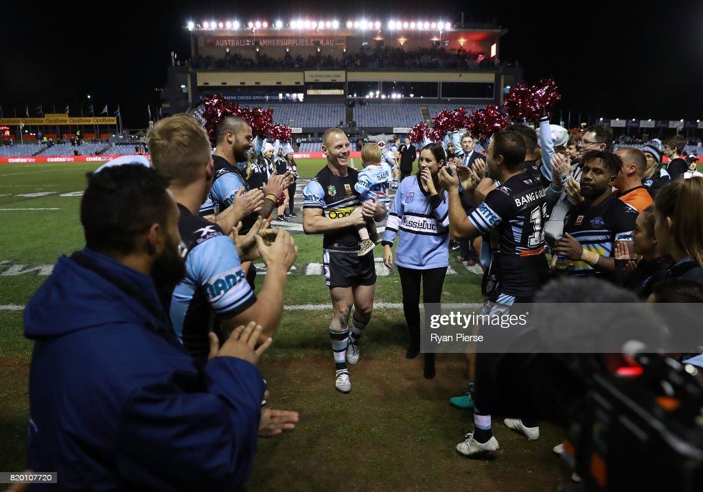 Luke Lewis of the Sharks celebrates after his 300th NRL match during the round 20 NRL match between the Cronulla Sharks and the South Sydney Rabbitohs at Southern Cross Group Stadium on July 21, 2017 in Sydney, Australia.