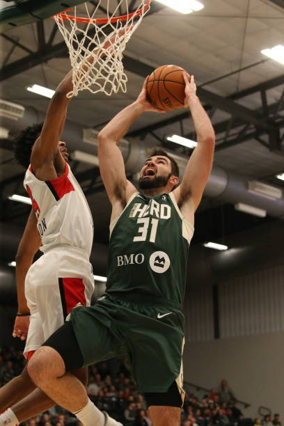 luke-maye-of-the-wisconsin-herd-shoots-a