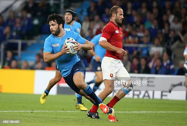 Luke McLean of Italy in action during the Rugby World Cup 2015 match between France and Italy at Twickenham Stadium on September 19 2015 in London...