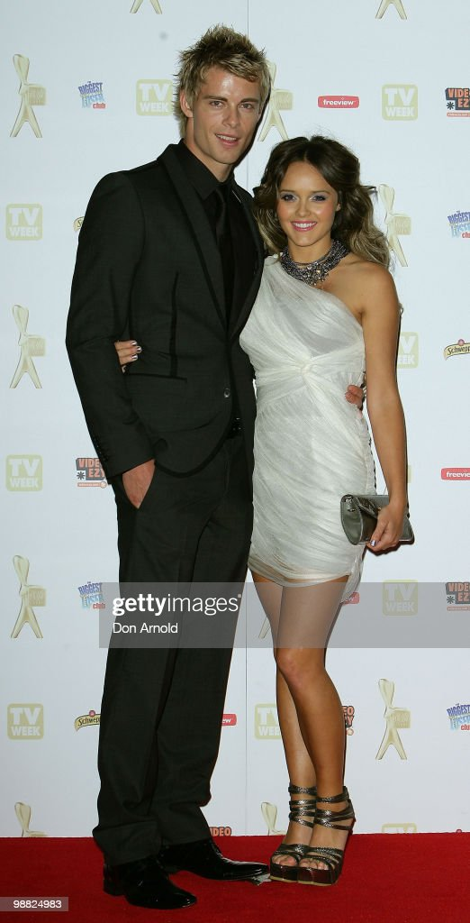 Luke Mitchell (L) and Rebecca Breeds arrive at the 52nd TV Week Logie Awards at Crown Casino on May 2, 2010 in Melbourne, Australia.