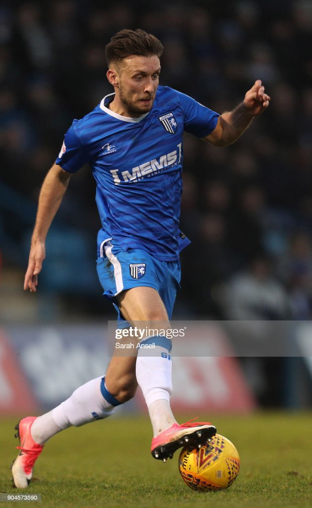 Luke O'Neill of Gillingham on the ball during the Sky Bet League One match between Gillingham and Rochdale at Priestfield Stadium on January 13, 2018 in Gillingham, England. (Photo by Sarah Ansell/Getty Images).