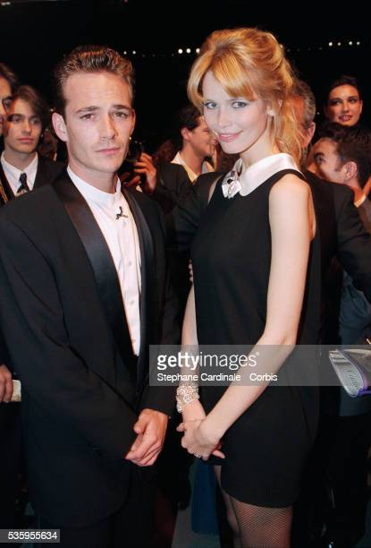 American actor Luke Perry with the German supermodel Claudia Schiffer
