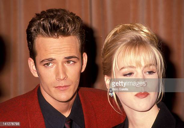 Luke Perry and Jennie Garth at the 7th Annual Nancy Susan Reynolds Awards Regent Beverly Wilshire Hotel Beverly Hills