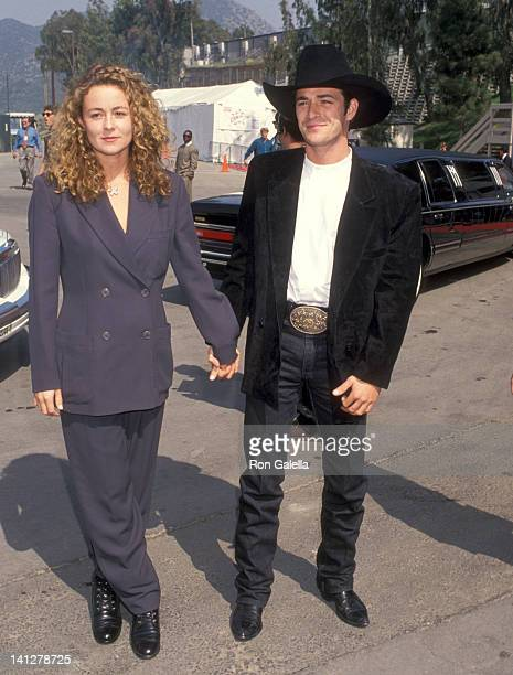 Luke Perry and Minnie Sharp at the 29th Annual Academy of Country Music Awards Universal Amphitheatre Universal City