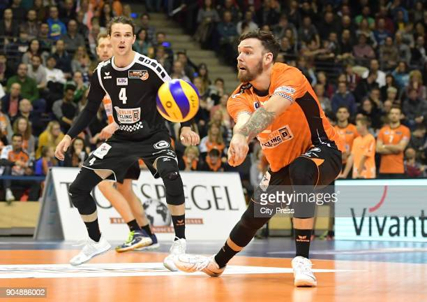 Luke Perry and Steven Marshall of the Berlin Recycling Volleys during the game between the Berlin Recycling Volleys and the SWD powervolleys Dueren...