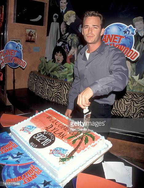 Luke Perry at the Presentation of Memorabilias from 'Beverly Hills 90210' Planet Hollywood New York City