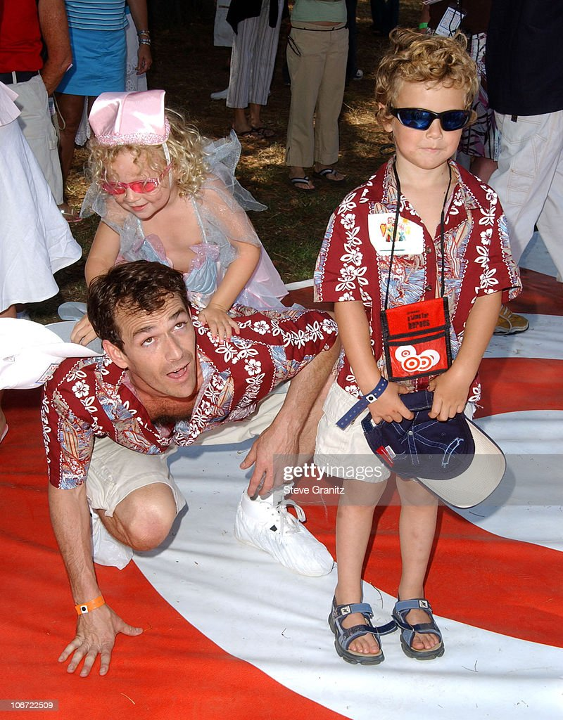 Target: A Time for Heroes Celebrity Carnival to Benefit the Elizabeth Glaser Pediatric AIDS Foundation : News Photo