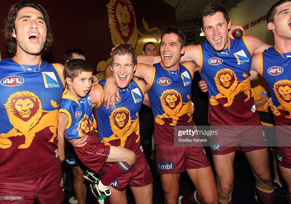 AFL Rd 10 - Lions v Magpies