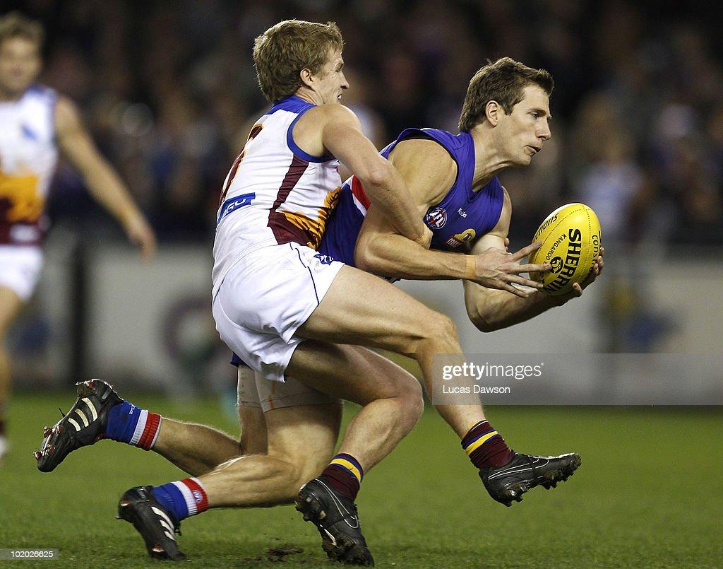 AFL Rd 12 - Bulldogs v Lions
