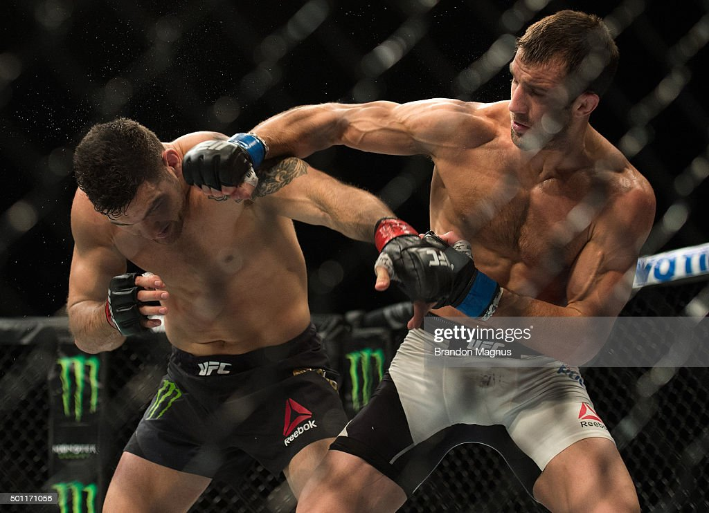 UFC 194: Weidman vs Rockhold : News Photo