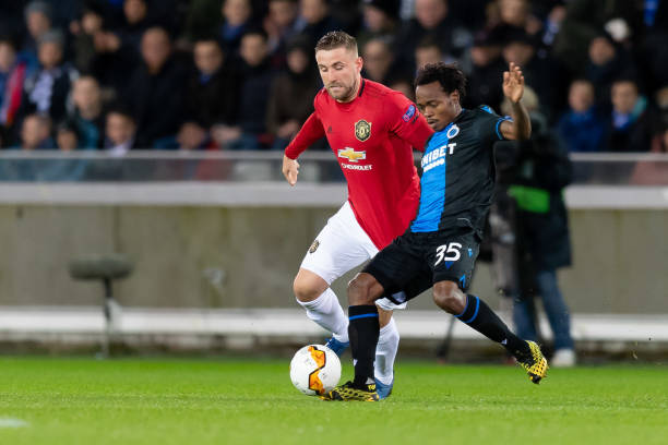 LIGUE EUROPA 2018  - 2019 -2020 - Page 16 Luke-shaw-of-manchester-united-and-percy-tau-of-club-brugge-battle-picture-id1202165534?k=6&m=1202165534&s=612x612&w=0&h=oj62U8Kxg73CK3VptSi8QXZoWbnk0BbDr-qOCqejn4k=