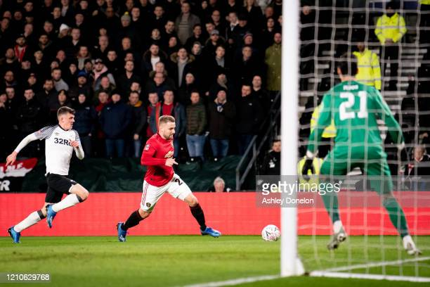 Luke Shaw of Manchester United in action during the FA Cup Fifth Round match between Derby County and Manchester United at Pride Park on March 05...