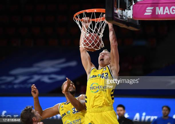 Luke Sikma of Alba Berlin scores during the EasyCredit Basketball Bundesliga match between Fraport Skyliners and Alba Berlin at Audi Dome on June 7,...