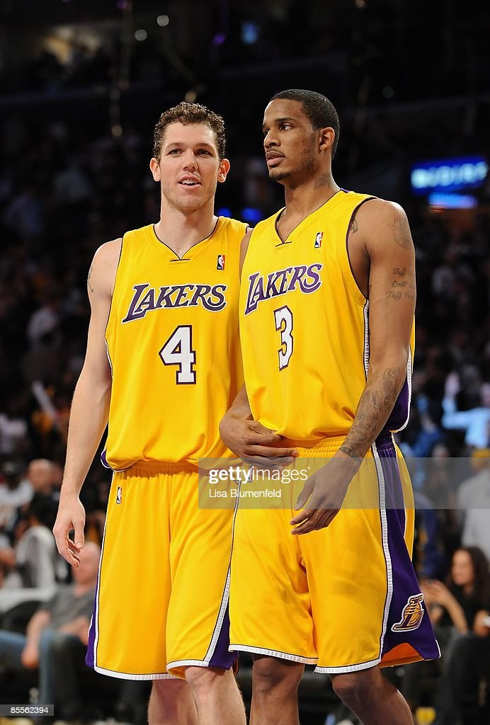 huge discount 48091 cfd1d Luke Walton and Trevor Ariza of the Los Angeles Lakers walk ...