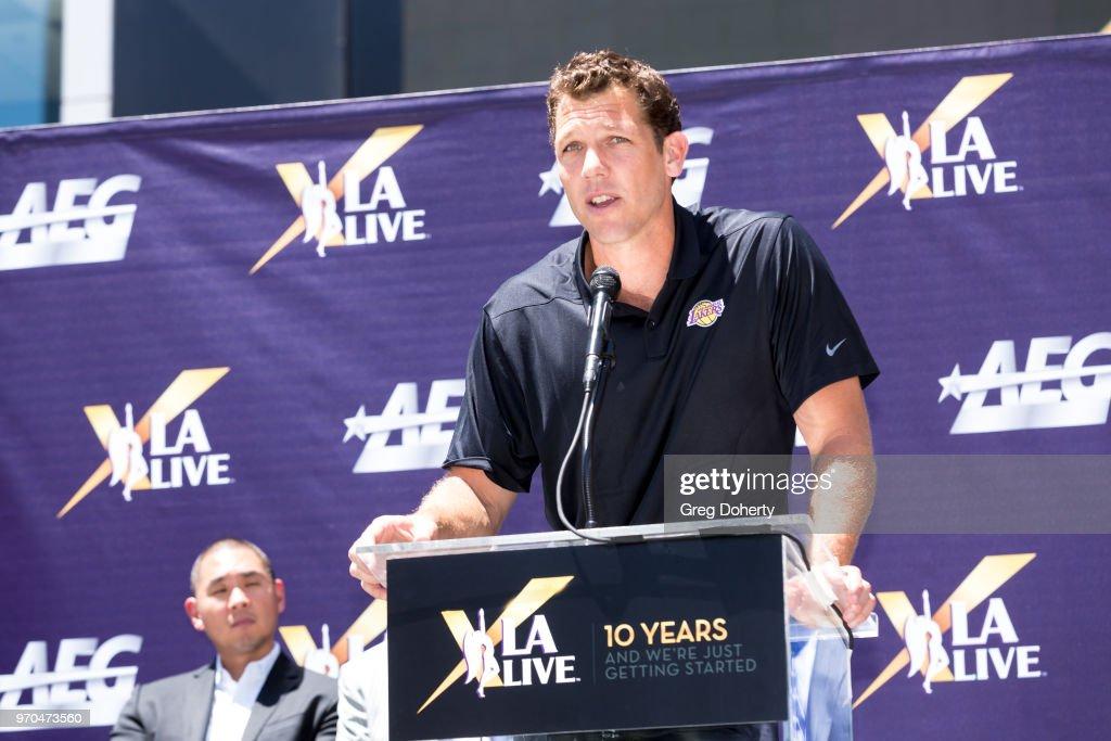 L.A. LIVE Celebrates 10th Anniversary : Nachrichtenfoto