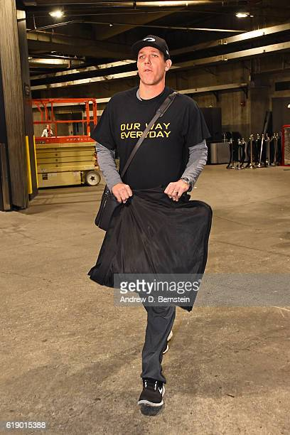 Luke Walton of the Los Angeles Lakers arrives at the arena before the game against the Houston Rockets on October 26 2016 at STAPLES Center in Los...