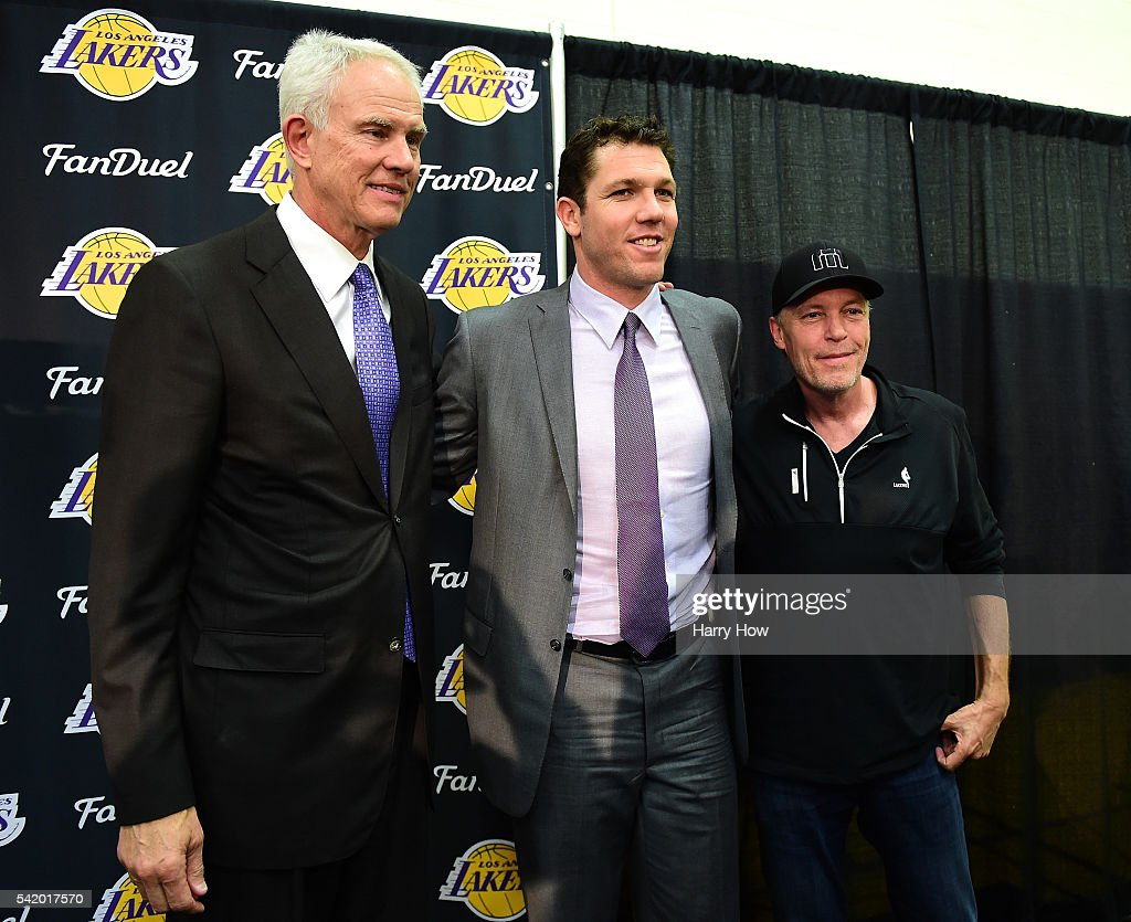 Los Angeles Lakers Introduce Luke Walton