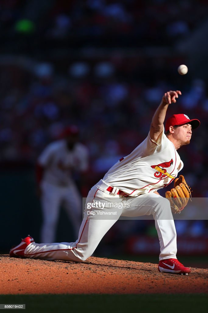 Luke Weaver #62 of the St. Louis Cardinals delivers a pitch against the Milwaukee Brewers in the fourth inning at Busch Stadium on September 30, 2017 in St. Louis, Missouri.
