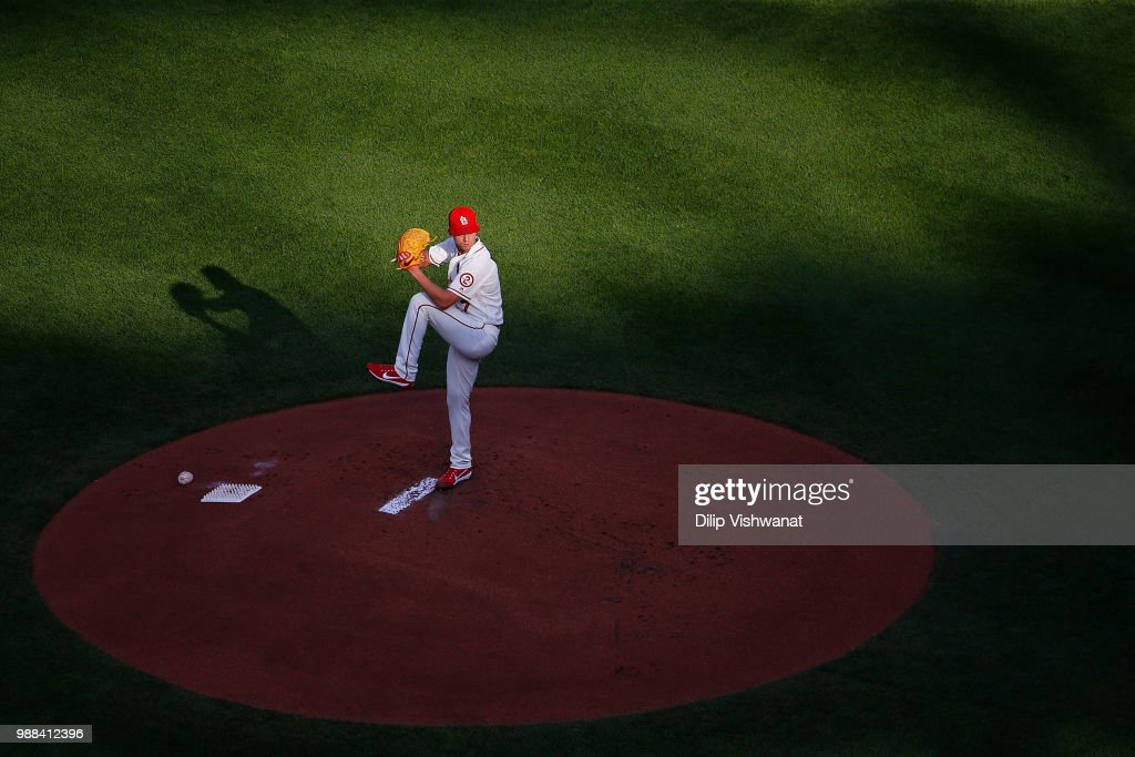 Luke Weaver #7 of the St. Louis Cardinals delivers a pitch against the Atlanta Braves in the first inning at Busch Stadium on June 30, 2018 in St. Louis, Missouri.