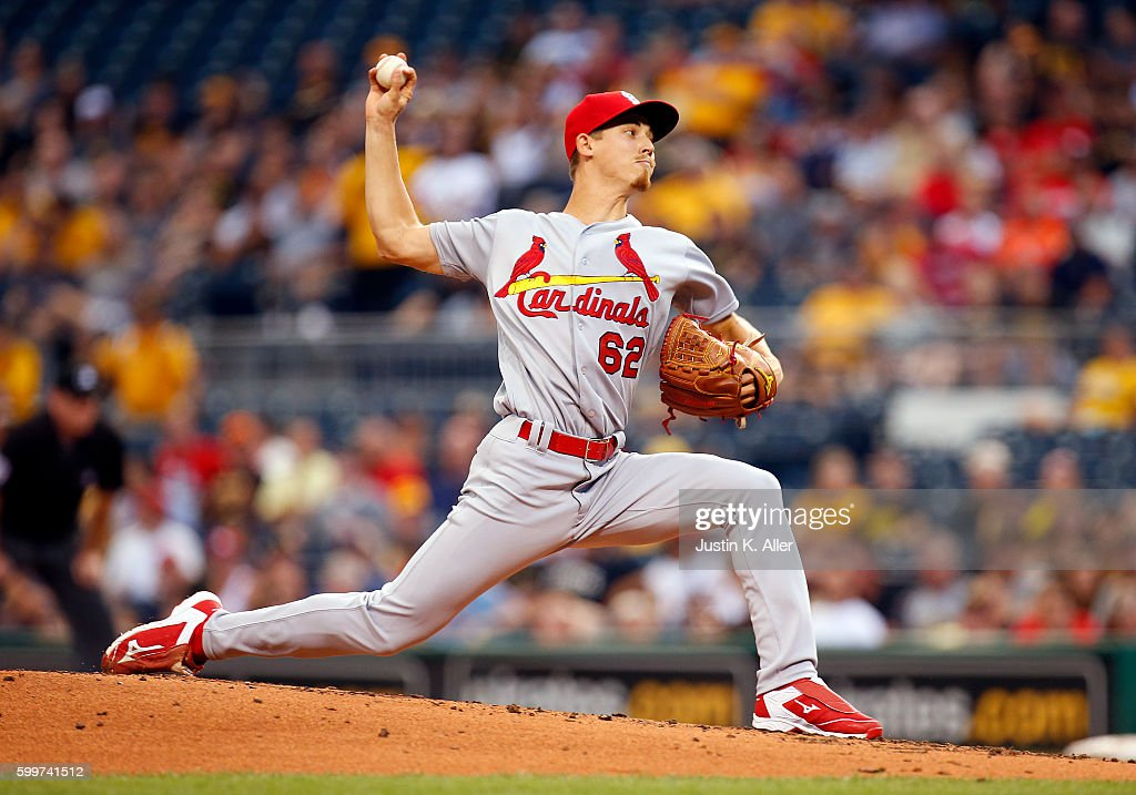 Luke Weaver #62 of the St. Louis Cardinals pitches in the first inning during the game against the Pittsburgh Pirates at PNC Park on September 6, 2016 in Pittsburgh, Pennsylvania.