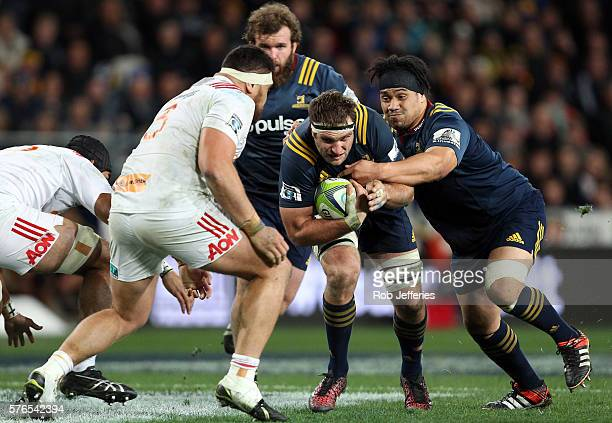 Luke Whitelock of the Highlanders on the charge during the round 17 Super Rugby match between the Highlanders and the Chiefs at Forsyth Barr Stadium...