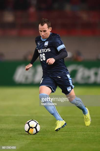 Luke Wilkshire of Sydney FC controls the ball during the AFC Champions League Group H match between Kashima Antlers and Sydney FC at Kashima Soccer...