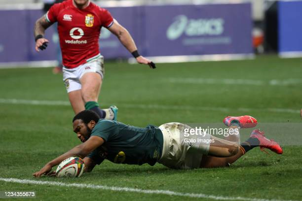Lukhanyo Am of South Africa scores a try during the 2nd Test between South Africa and the British & Irish Lions at Cape Town stadium on July 31, 2021...