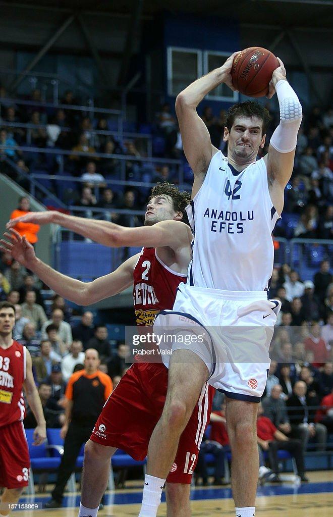 Cedevita Zagreb v Anadolu EFES Istanbul - Turkish Airlines Euroleague