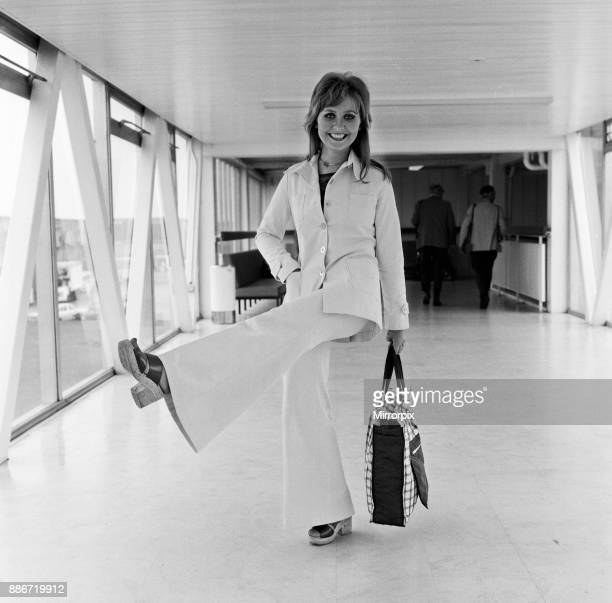 Lulu at Heathrow Airport 3rd July 1971