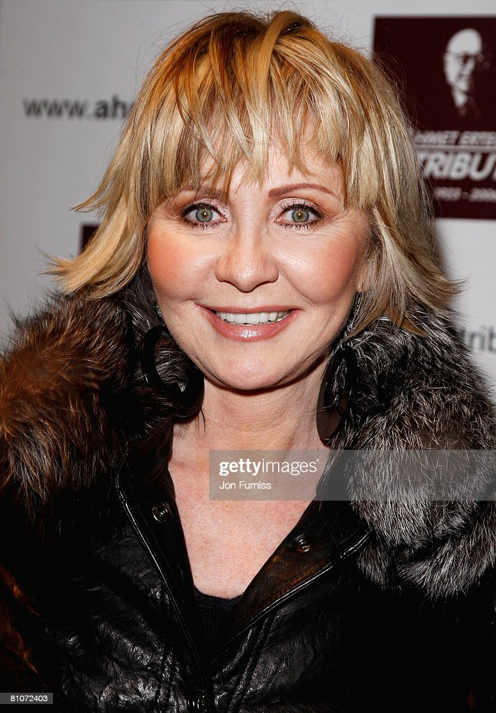 Lulu attends the Led Zeppelin Tribute To Ahmet Ertegun concert, held at the O2 Arena on December 10, 2007 in London, England.