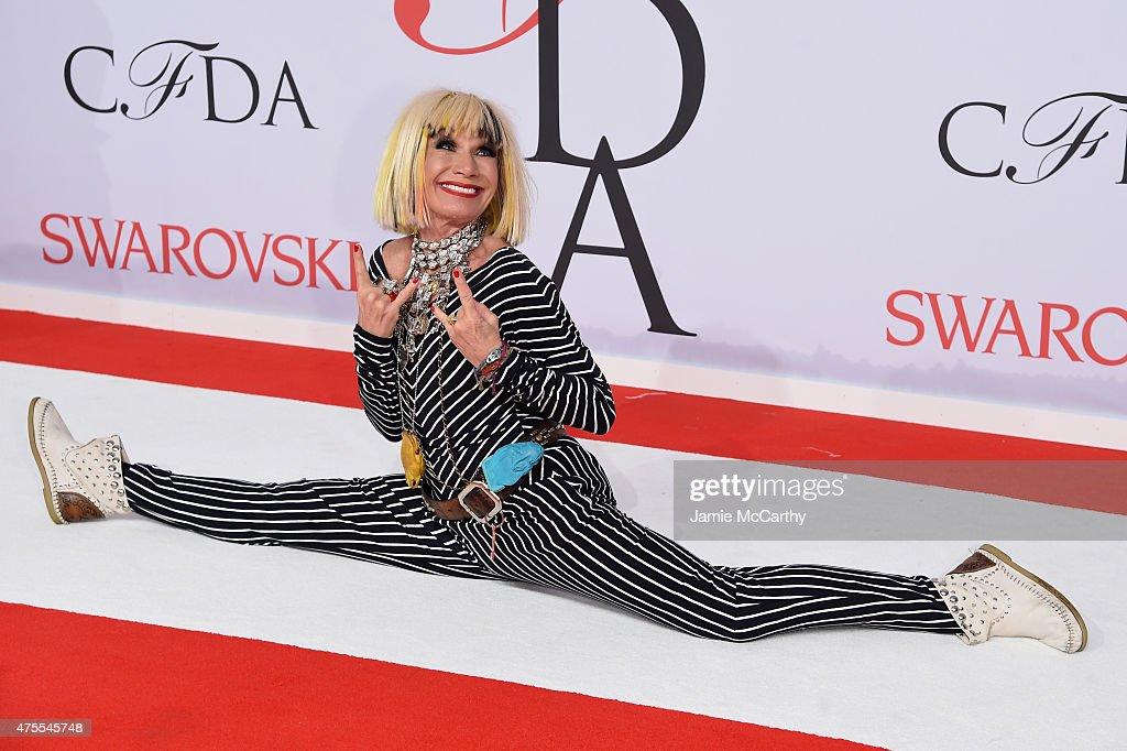 2015 CFDA Fashion Awards - Inside Arrivals : News Photo