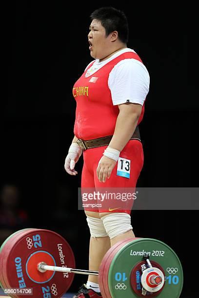 Lulu ZHOU gewinnt die Goldmedaille Olympische Sommerspiele 2012 London Gewichtheben Frauen 75kg Spiel um Bronze Ger USA Excel Hall Olympic Summer...