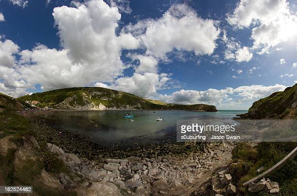 lulworth cove fisheye panorama - s0ulsurfing stock pictures, royalty-free photos & images
