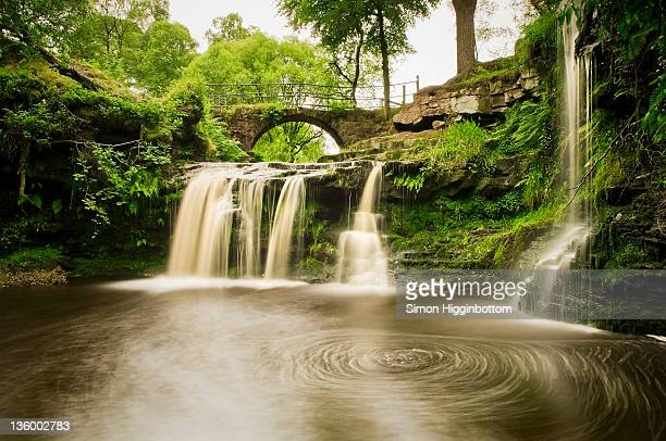 lumb falls, west yorkshire - simon higginbottom stock pictures, royalty-free photos & images