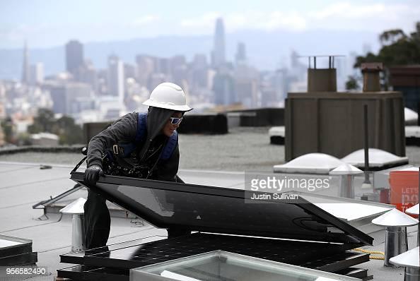Photos Et Images De California S Energy Commission To Vote