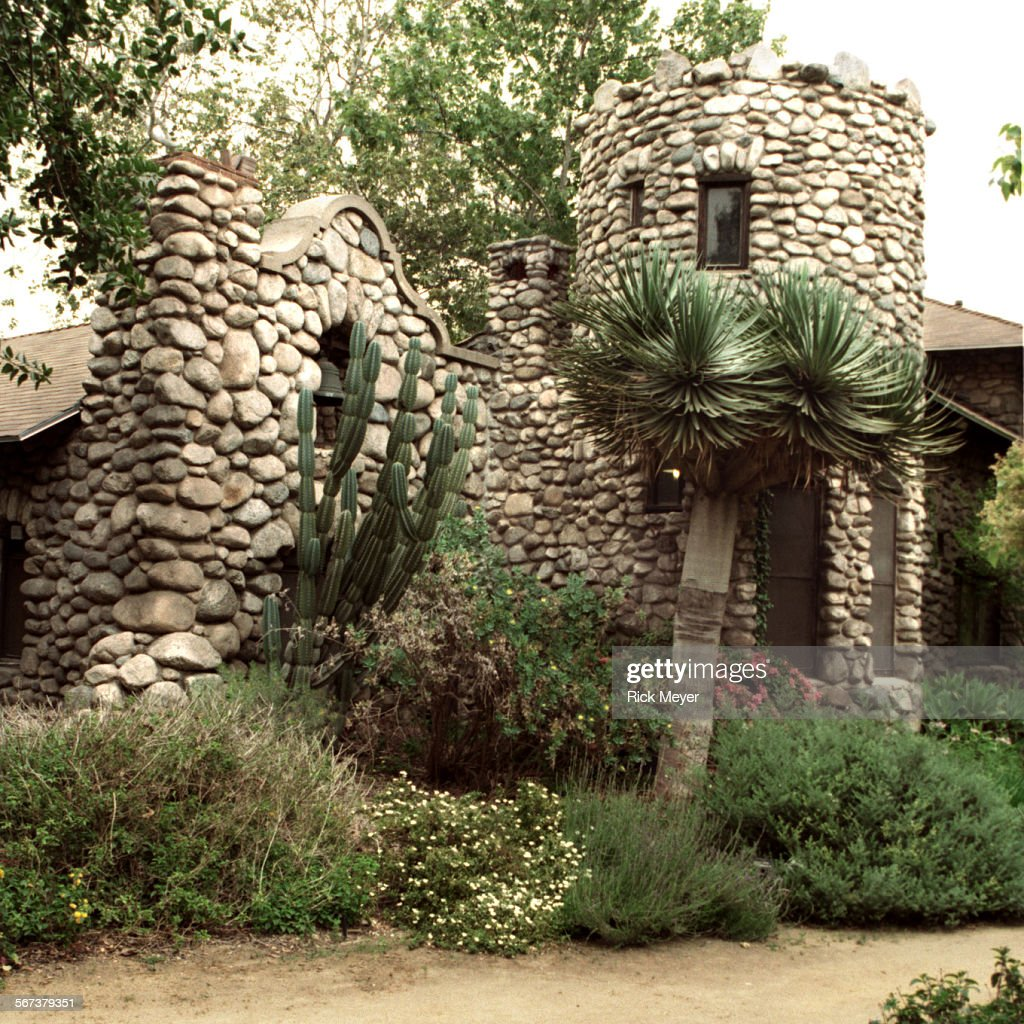 96–04–26 –– Lummis Home and Gardens Photo shows the stone–built home ...
