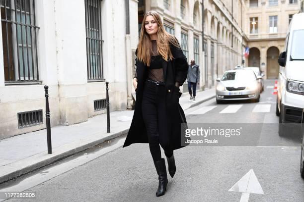 Luna Bijl is seen arriving at Isabel Marant during Paris Fashion Week - Womenswear Spring Summer 2020 on September 26, 2019 in Paris, France.