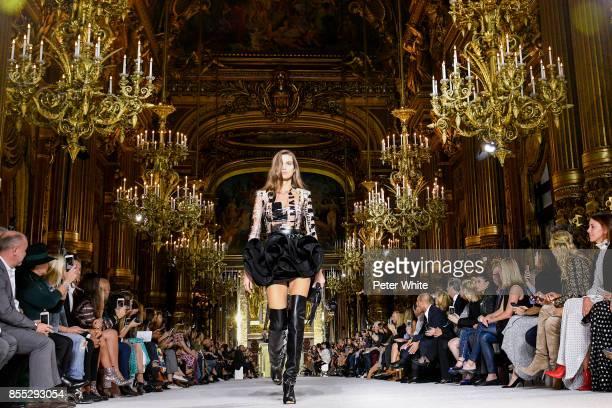 Luna Bijl walks the runway during the Balmain show as part of the Paris Fashion Week Womenswear Spring/Summer 2018 on September 28 2017 in Paris...